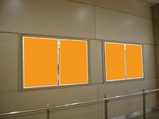 電車広告 駅ばりポスター
